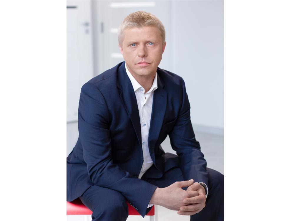 Główny Księgowy  jaroslaw.niedzielski@taas.pl  +48 511 874996  Jarosław jest doświadczonym księgowym, który na bieżąco uzupełnia edukację za pomocą licznych kursów, konferencji oraz szkoleń specjalistycznych. Jest także ekspertem w pracy za pomocą wielu programów księgowych. Na co dzień dba o zgodność działań księgowych, które wykonujemy dla naszych Klientów z obowiązującym stanem prawnym oraz dobrymi praktykami.